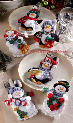 Bucilla felt applique kits are a Christmas tradition. Designed by Maria Stanziani, this complete kit includes This kit contains all the materials required to complete the 6 Silverware Holders as shown in the attached pictures.Bucilla Other Needlecraf Felt Christmas Ornaments, Christmas Table Decorations, Christmas Snowman, Christmas Stockings, Christmas Sewing, Christmas Projects, Holiday Crafts, Silverware Holder, Theme Noel