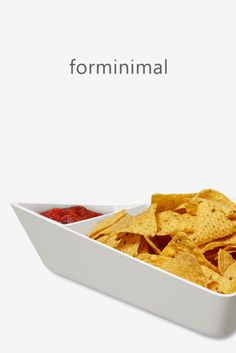 The sculptural design presents your chips or crisps in a beautiful bowl and incorporates an optional sauce dip bowl, for easy serving. Box Water, Filtered Water Bottle, Kitchenware, Crisp, Healthy Lifestyle, Lunch Box, Presents, Easy, Beautiful