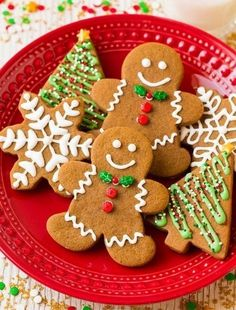 Looking for a new way to make gingerbread cookies this holiday season? These beloved Christmas cookies will be some of your family's favorite dessert options. Find your new favorite gingerbread cookie recipe here. Best Gingerbread Cookies, Gluten Free Gingerbread, Holiday Cookies, Gingerbread Men, Christmas Gingerbread, Decorating Gingerbread Cookies, Halloween Cookies, Holiday Treats, Holiday Parties