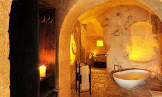 SEXTANTIO LE GROTTE DELLA CIVITA CAVE HOTEL IN ITALY