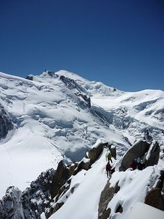 June is tipically the best time to climb Mont-Blanc 4810m - Climbing Mont Blanc in the Summer: Popular Routes