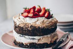 A Világ Legjobb Tortája | Lila füge Quiche, Cake Cookies, Tiramisu, Cheesecake, Ethnic Recipes, Sweet, Poppy, Birthday, Lilac