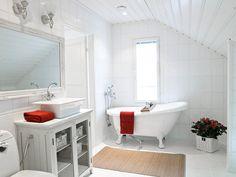 Suomen kauneimpia koteja - Kannustalo Clawfoot Bathtub, Bathroom, Decoration, House, Home Decor, Washroom, Decor, Decoration Home, Home