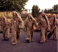 See Super Furry Animals pictures, photo shoots, and listen online to the latest music. Super Furry Animals, Cd Cover Design, Scream Queens, Cryptozoology, Great British, Bigfoot, Animal Pictures, Animals Photos, Boy Bands