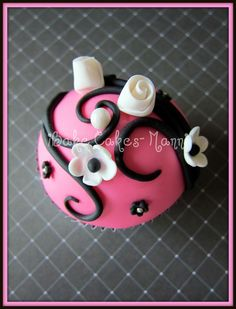 {Baking} Fondant Cupcakes by iBake Cakes - Manni - Southern Belle's Charm