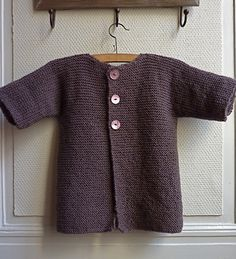 Garter stitch one piece toddlers cardigan Knitting For Kids, Crochet For Kids, Free Knitting, Crochet Baby, Knit Crochet, Baby Cardigan Knitting Pattern, Baby Knitting Patterns, Brei Baby, Toddler Cardigan