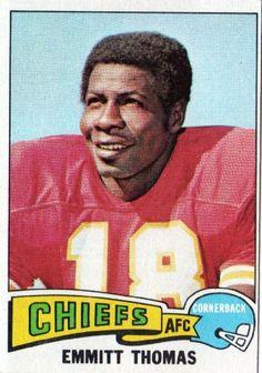 #1 RCB #16 Chief 1966 1978 Emmitt Thomas - 1975 Topps #340