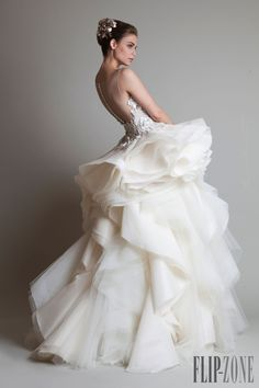 "Krikor Jabotian ""Closure"", F/W 2013-2014 - Couture - http://www.flip-zone.com/fashion/couture-1/independant-designers/krikor-jabotian-4063"