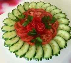 pixels - pixels p. - pixels planodefundo w - Her Crochet Salad Decoration Ideas, Vegetable Decoration, Vegetable Snacks, Fruit And Vegetable Carving, Veggie Platters, Veggie Tray, Salad Presentation, Food Carving, Food Garnishes