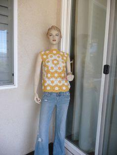 Vintage 1970's Sweater ~ Hippie, Boho, Hand Crocheted, White And Yellow De Zinger Sleeveless Sweater Shirt, Made In Hong Kong ~ Sz 6