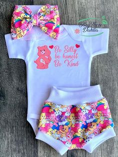 Baby Girl Gear, Baby Girl Boots, Cute Baby Girl, Baby Girl Fashion, Baby Girl Newborn, Cute Babies, Baby Kids Clothes, Cute Outfits For Kids, Baby Disney