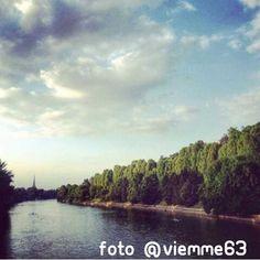 """""""Dal ponte Isabella lo stupore è assicurato"""". #Torino raccontata dai cittadini per #inTO. Foto di viemme63  #urban #nature #bridge #river #clouds #skyline"""