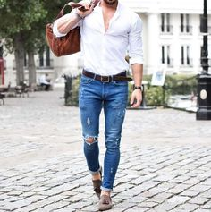 urban men style // mens fashion // city boys // city life // stylish // gum bag // mens accessories // watches // mens bag //