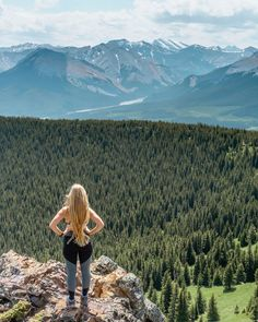 Jo taking in the views of the Canadian Rockies. Canada Tourism, Canada Travel, Hiking Photography, Instagram Story Template, Hiking Tips, Canadian Rockies, Day Hike, Travel Advice, The Great Outdoors