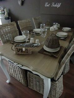 Interesting diningroom.