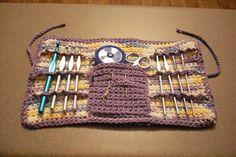Ravelry: Easy Crochet Hook Case pattern by Tiffany Roan Crochet Hook Case, Crochet Pouch, Crochet Gifts, Easy Crochet, Crochet Hooks, Free Crochet, Knit Crochet, Crochet Organizer, Pouch Pattern