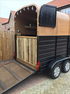 """Obtain excellent recommendations on """"horse trailer towing vehicles"""". They are readily available for you on our website. Bar Catering, Mobile Catering, Coffee Box, Coffee Carts, Mobile Bar, Mobile Shop, Food Trolley, Food Carts, Glamping"""