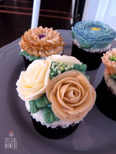 +Choco chocolate flower buttercream cupcake for mother's friend birthday/butter cream cake/cupcake decorating tips ... made by SPECIAL MOMENT
