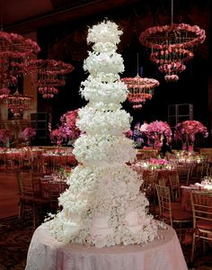 Sylvia Weinstock Cakes  How incredible is that spectacular  cake in that gorgeous room.