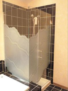 Servicing Chicago since 1972 with custom etched frameless glass shower doors at factory direct prices. Check out all of our beautiful etched and sandblasted corner enclosure frameless glass shower doors and set up a free consultation! Frosted Shower Doors, Glass Shower Doors, Glass Bathroom, Glass Partition Designs, Glass Shower Enclosures, Shower Cabin, Shower Cubicles, Glass Art, Corner