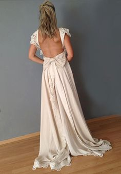 Tailor Made Bridal Gowns by Madame Shoushou   See more at WeddingTales.gr   http://weddingtales.gr/index.php?id=1737