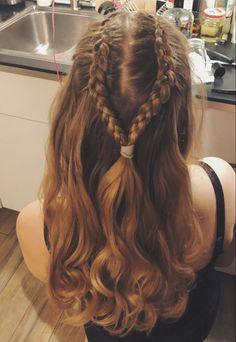Elven Hairstyles, Pretty Hairstyles, Braided Hairstyles, Braided Crown, Hollywood Waves, Random Things, Homecoming, Blonde Hair, Sneaker