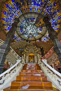 A spiderweb of stained glass has a ceremonial feel - Erawan Museum, Samut Prakan, Thailand. Art Et Architecture, Beautiful Architecture, Beautiful Buildings, Architecture Details, Beautiful Places, Leaded Glass, Stained Glass Art, Stained Glass Windows, Glass Ceiling