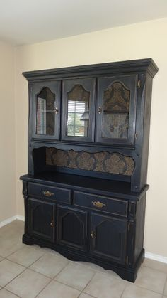 This old hutch redo China Hutch Makeover By Why Not Redesign - Featured On Furniture Flippin' China Hutch Makeover, China Cabinet Redo, Corner China Cabinets, Cabinet Makeover, Hutch Cabinet, China Cabinets And Hutches, Cupboards, Refurbished Furniture, Paint Furniture