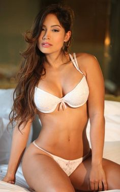 Angie Melissa Ocampo Borrero White Lingerie, Bra Lingerie, The Most Beautiful Girl, Gorgeous Women, Latin Women, Bra And Panty Sets, Sexy Bra, Sexy Legs, String Bikinis