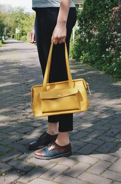 Selecting The Right Authentic Designer Handbag For Yourself – Bags Online Shop Leather Bag, Leather Handbags, Yellow Leather, Yellow Handbag, Bags Online Shopping, Big Bags, Bag Sale, Luggage Bags, Purses And Bags