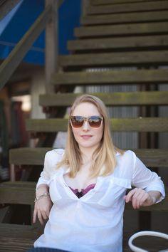 Vancouver Vogue: Parisian casual spring outfit, @oldnavy linen blouse, @thirdlove balconette bra 2.0
