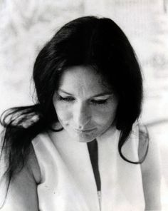 Loretta Lynn, Taken by Brian W. with Betty Harper during a private moment with Loretta. Country Singers, Country Music, Pretty People, Beautiful People, 1970s Music, Loretta Lynn, Famous Faces, Love Her, To My Daughter