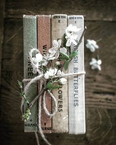Book Photography Vintage Reading 35 Ideas For 2019 Book Aesthetic, Aesthetic Pictures, Witch Aesthetic, Book Flowers, Coffee And Books, I Love Books, Book Photography, Vintage Books, Vintage Soul