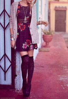 Las calcetas a la rodilla es una moda que puedes aplicar sin importar tu estilo. Con esto queremos decir que no importa si eres una chica que tiende a vestirse más rocker, grunge o fresa, esta prenda se puede combinar a la perfección con tu personalidad. Lo maravilloso de estas calcetas, es que puedes mostrar […]