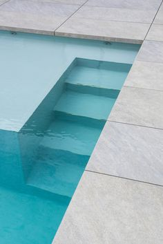Swimming Pools Backyard, Swimming Pool Designs, Jacuzzi, Piscina Spa, Pool Paving, Pool Steps, Patio Tiles, Outdoor Pool, Outdoor Decor