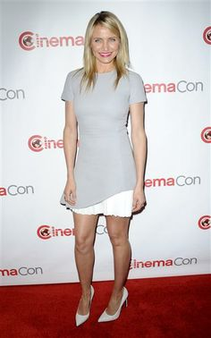 How great does Cameron Diaz look in a Victoria Beckham dress? See more hot stars on Wonderwall: http://on-msn.com/1kYi4V0