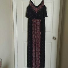 EXPRESS black, red and green boho maxi dress Flowy chiffon; spaghetti straps; open slit to knee in front; cinched elastic waist Express Dresses Maxi