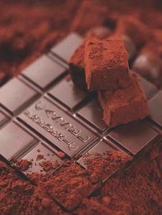 バレンタインまであと少しオーブンを使わない簡単チョコレートスイーツレシピを集めました!