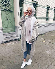 T adarkurdish hijab hijab fashion street hijab fashion Modern Hijab Fashion, Street Hijab Fashion, Hijab Fashion Inspiration, Muslim Fashion, Mode Inspiration, Modest Fashion, Fashion Outfits, Fashion Black, Fashion Fashion