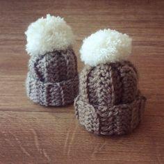 Mets ton bonnet : mon bonnet crochet comme un tricot Crochet Patterns Amigurumi, Amigurumi Doll, Crochet Gifts, Diy Crochet, Wooper Pokemon, Bonnet Crochet, Pink October, Big Knits, Halloween Ornaments