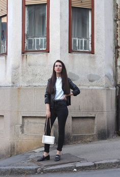 Street style #outfit #inspiration.  #streetstyle #fashionblogger #fashionbloggers