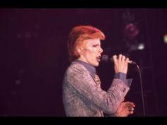 LIVE David Bowie expo open in Berlin