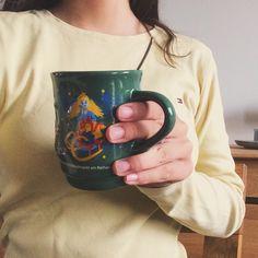 Fall tumblr selfie inspiration. Hot chocolate. Object. @paulicorn1410