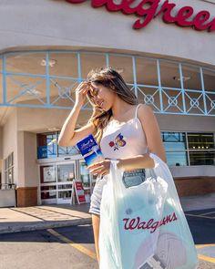 """糖糖🍬Ling💕陳翎瑀 on Instagram: """"I love white Chocolate @lindt_usa 🤤 #LindtSummerofBarsatWG #sponsored Lindt delivers a unique chocolate experience offering a distinctly…"""" White Chocolate, Usa, Unique, Instagram, U.s. States"""