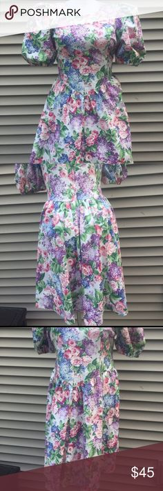 "Vintage 1980s/1990s Puffy Floral Plus Size Dress So gorgeous! A lovely larger size, too. Impeccable and vibrant lilac print. Elastic around bottoms of sleeves is in great shape. Hidden zipper runs the length of the middle of the back and closes with a hook-and-eye. Amazing for a 1980s party! Seems to be handmade. Amazing details on this. 42"" waist total, 46"" bust total. Dress is shown pinned to (12/14) mannequin in first and second photos. Dress is in incredible shape.    You may like this…"