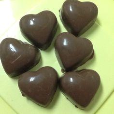 Bombons de chocolate de leite recheados de brigadeiro