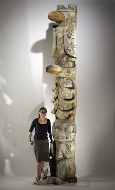 Kwakwaka'wakw Totem Pole Native American Totem, Native American Regalia, Native American History, Southwestern Art, Haida Art, Tlingit, American Indian Art, Indigenous Art, Mascaras