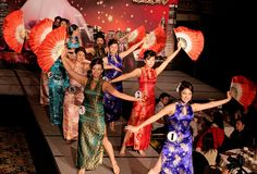 Pictures of Chinese dancers | Welcome to Chicago Chinatown
