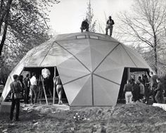"""World's first geodesic dome home, built by Buckminster Fuller, to become free museum. """"Fuller Dome Home in Carbondale will be open to the public, free of charge, and will include a tour and the opportunity to view rare artifacts. Garden Deco, Richard Buckminster Fuller, Geodesic Dome Homes, Eco Buildings, Dome House, Kugel, Building Design, Building Systems, Building Materials"""