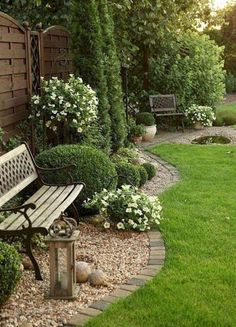 Enjoy collection garden styles and let us know your thoughts about these garden design ideas. The post Enjoy collection garden styles and let us know you… appeared first on Pinova. Landscaping Along Fence, Courtyard Landscaping, Modern Landscaping, Landscaping Ideas, Backyard Ideas, Outdoor Landscaping, Porch Ideas, Mailbox Landscaping, Commercial Landscaping